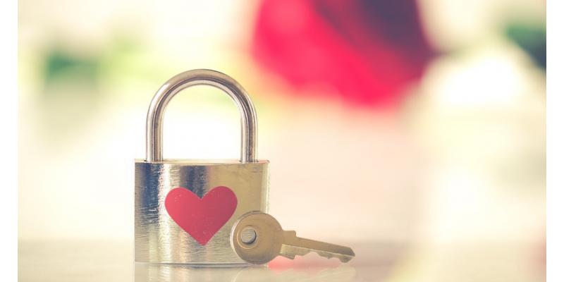 Откраднатата любов-тайна, страстна и емоционална