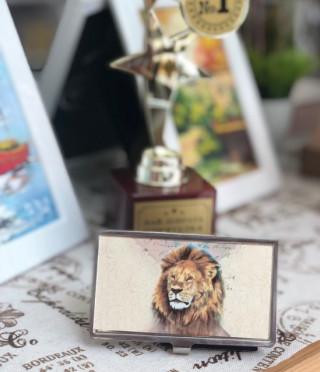 Визитник лъв
