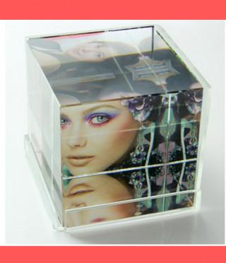 Кристален Фото куб с акрилна рамка