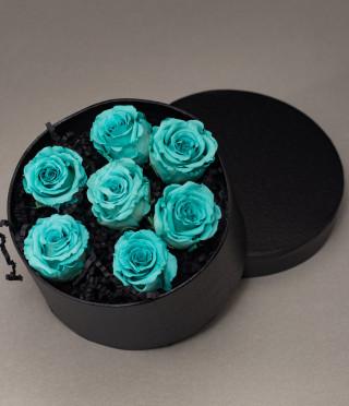 Аранжировка от 7 малки вечни рози