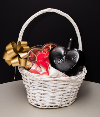 Sweet Heart Gift Basket