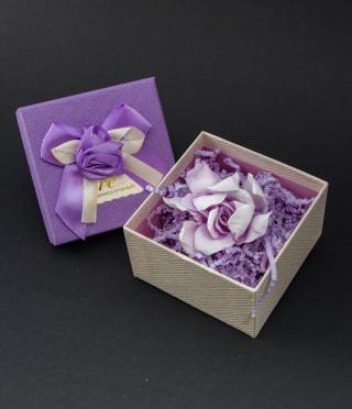 Истинска гардения в подаръчна кутийка