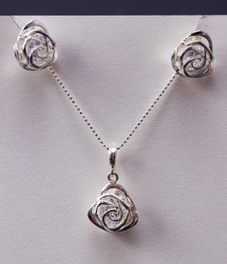 Silver set rose with earrings and necklace