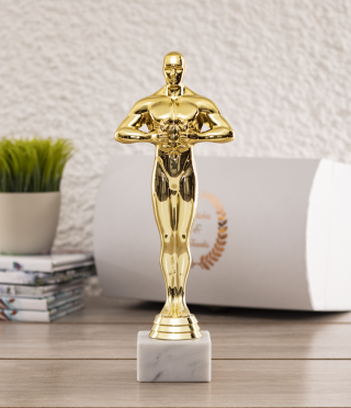 Figure Oscar with a custom plaque