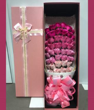 Букет рози в кутия