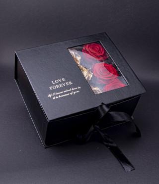 Вечни рози Love forever Gold в черна кутия