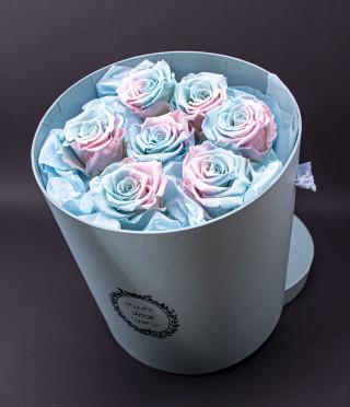 Just for you вечни рози в синьо и розово