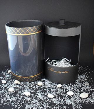 Луксозна гланцирана кутия цилиндър с отвор