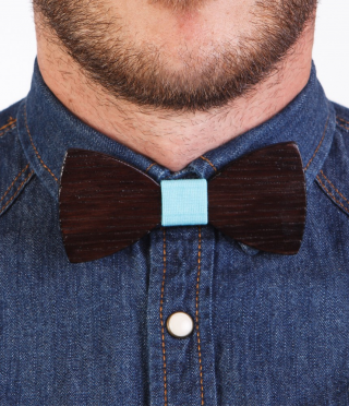 Dark-wood bow tie