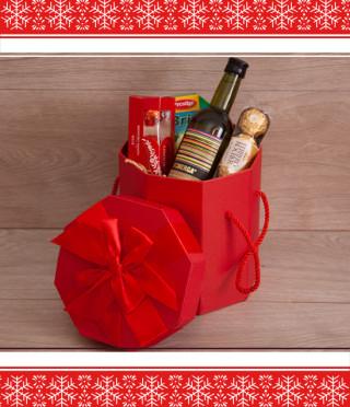 Коледна подаръчна кутия с вино