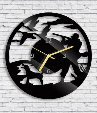 Стенен часовник Ловец