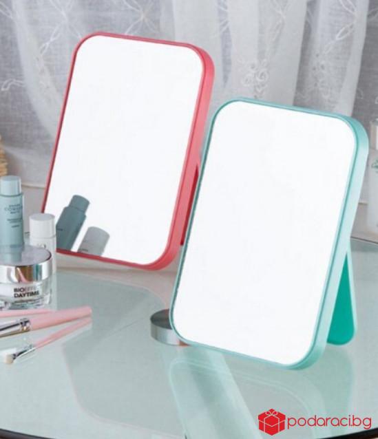 Огледало за гримиране