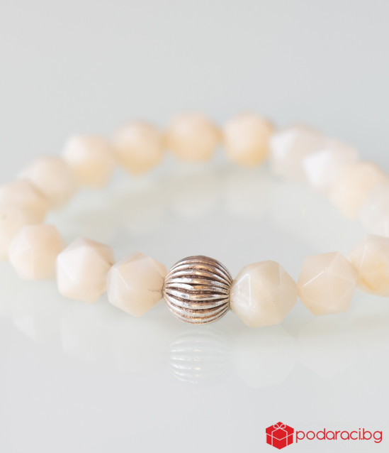 Дамска гривна Интуиция - лунен камък