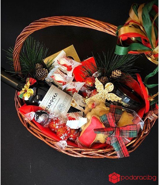 Подаръчна Коледна кошница 67