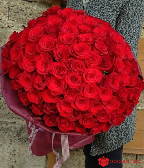 101 червени рози