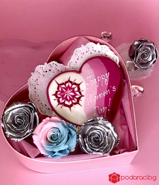 Комплект Happy Woman's Day в сърце