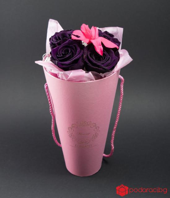 Подарък с вечни рози и орхидея