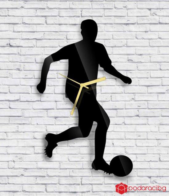 Wall Clock footballer
