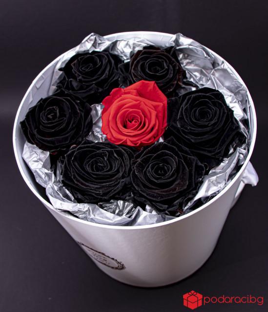 Just for you вечни рози в черно и червено