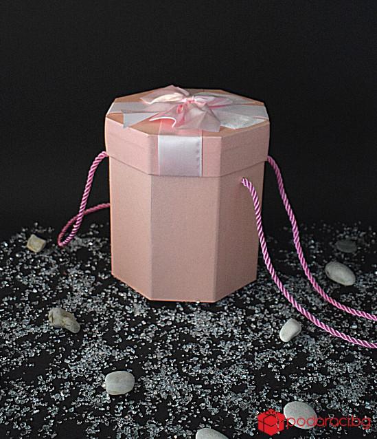 Луксозна розова многоъгълна кутия