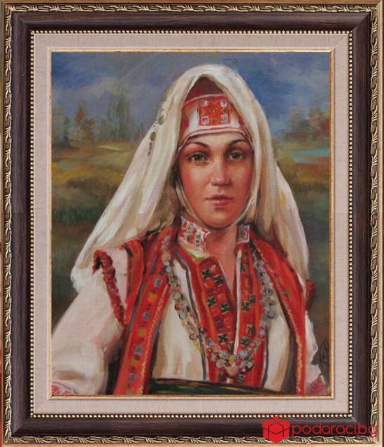 Репродукция Българка в тракийска носия