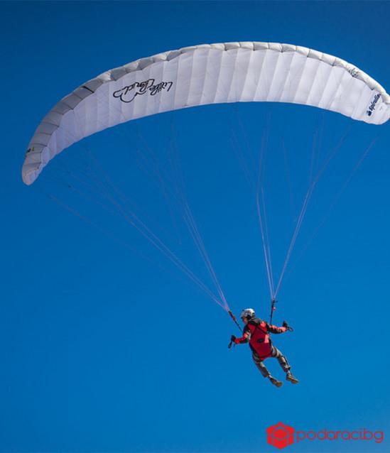 Акробатичен полет с парапланер