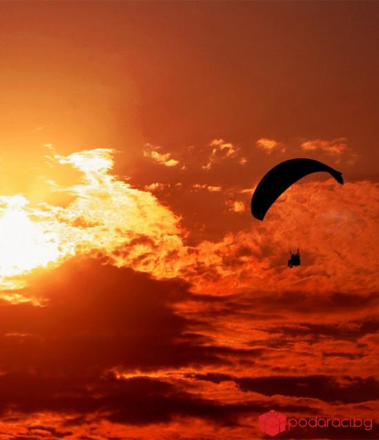 Панорамен прелет с парапланер