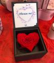 Луксозна вечна роза Червено сърце