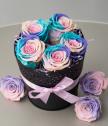 5 вечни рози в черна винтидж кашпа