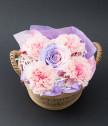 Панерче Flowers с карамфили и вечна роза