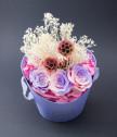 Аранжировка с рози в розово и лилаво