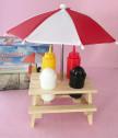 Забавна поставка за сол, пипер, кетчуп и майонеза с чадърче
