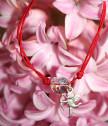 Гривна с червен конец с Купидон и сърце