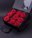 Червени вечни рози Love forever в черна кутия