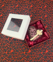 Кутийка с дантелено шоколадово сърце